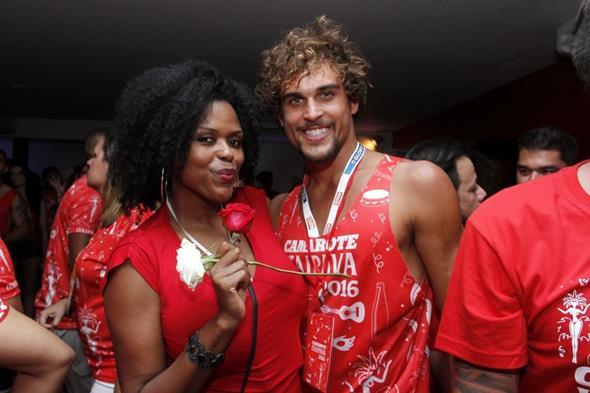 Carla Cristina Cardoso e Felipe Roque Crédito: Alex Palarea/Divulgação