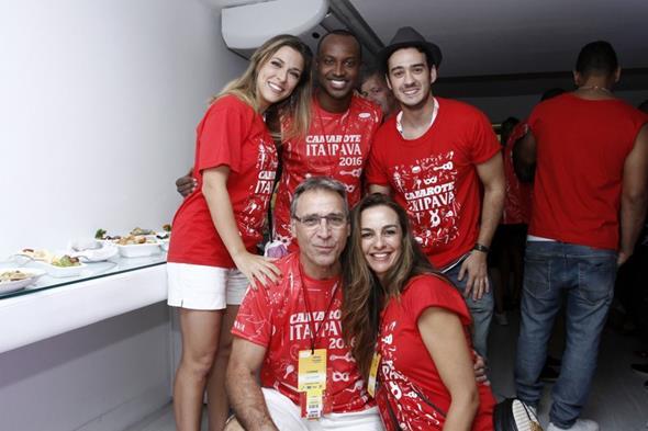 Julia Rabello, Thiaguinho, Marcos Veras, Herson Capri e Susana Garcia Crédito: Alex Palarea/Divulgação