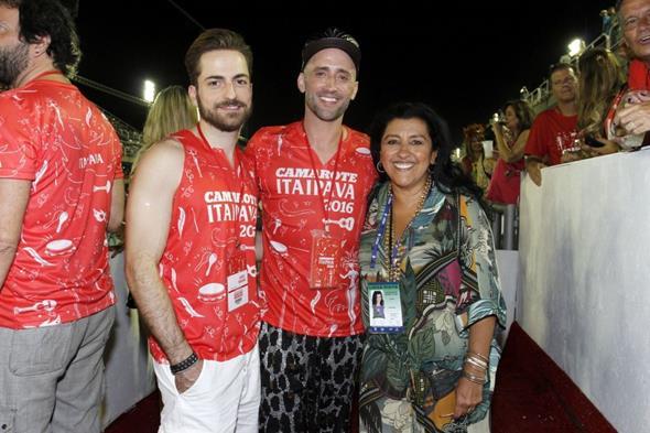Paulo Gustavo, Thales Bretas e Regina Casé Crédito: Alex Palarea/Divulgação