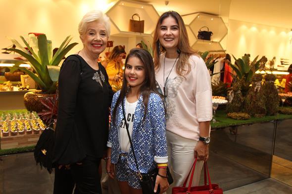 Gilda Manguinho, Maria Eduarda Manguinho e Renata Manguinho. Crédito: Nando Chiappetta/DP