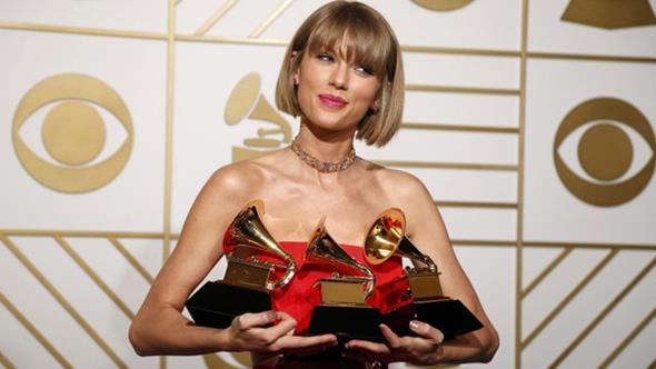 Taylor Swift foi a grande vencedora da noite - Crédito: Reprodução/Twitter