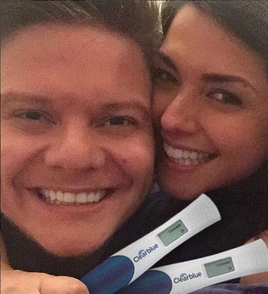 Michel Teló e Taís Fersoza anunciaram a gravidez pelas redes sociais - Crédito: Reprodução/Instagram