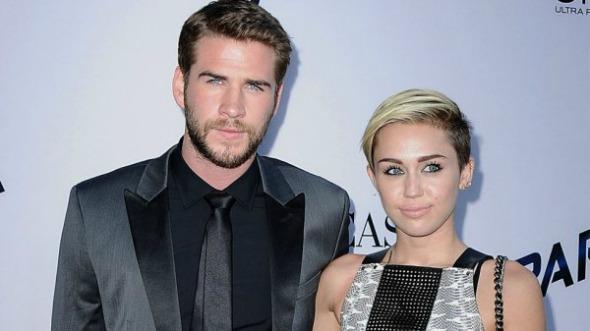 Liam Hemsworth e Miley Cyrus. Crédito: Reprodução/radaronline.com