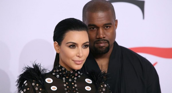 Kim Kardashian e Kanye West - Crédito: Reprodução/Twitter