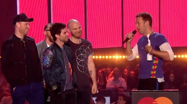 Coldplay levou o prêmio de Grupo Britânico - Crédito: Reprodução/Twitter