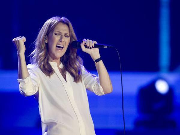 O gesto que virou marca registrada de Celine Dion