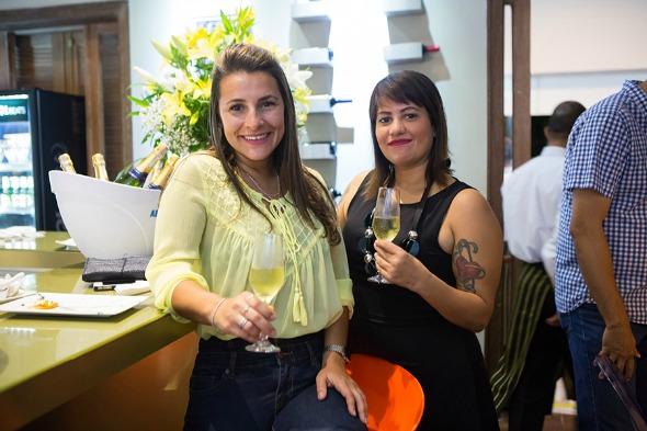 A chef Miau Caldas e Claúdia Luna. Crédito: Clara Gouvêa/Divulgação