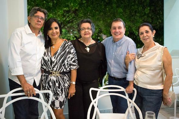 Murilo Santiago, Márcia Cabral, Maria Clara Lyra, Carlos Augusto Lira e Helena Cavalcanti. Crédito: Clara Gouvêa/Divulgação