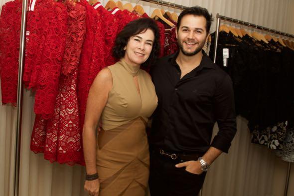 Márcia da Fonte foi prestigiar Heracliton Diniz na tarde dessa terça-feira - Crédito: Tatiana Sotero/DP