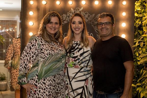 Camila com Sophia e Luciano, da Villa Garden- Crédito: Ame Fotografia/Divulgação