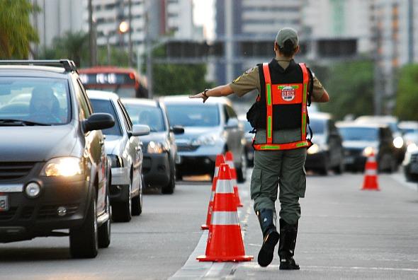 Operação Lei Seca reforçada durante o feriado - Crédito: Paulo Paiva/DP