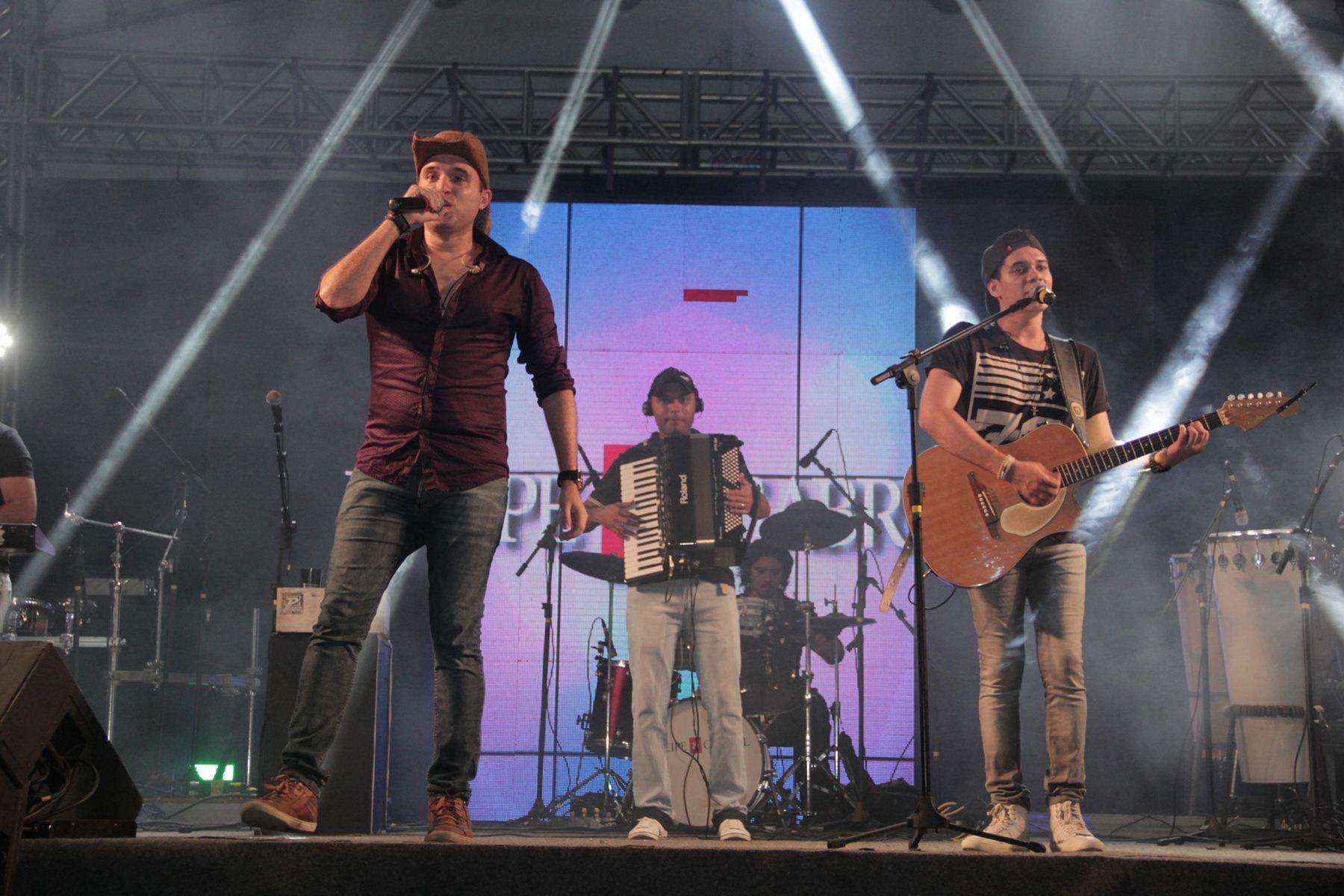 Felipe e Gabriel. Crédito: Lara Valença / Divulgação