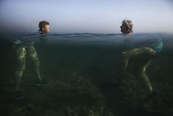 A foto premiada mostra senhoras cubanas - Crédito: Alexandre Meneghini/Reprodução/Sony World Photography Awards