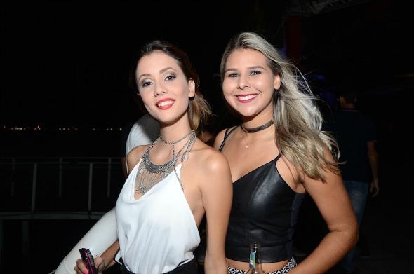 Tayná Melo e Amanda Carmina. Crédito: Lara Valença/Divulgação