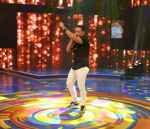Wesley no palco do Caldeirão do Huck - Crédito: Gabriela Bispo/Gshow/Reprodução