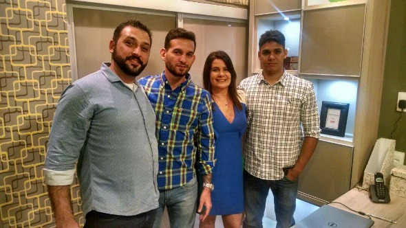 Adriano Negrini, Mateus Miranda, Lúcia Siqueira e Leonardo Vasconcelos. Crédito: Divulgação/D'Accord e Casttini