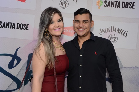 Carolina Souza e Eduardo Gaudêncio. Crédito: Lara Valença / Divulgação