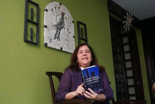 Professora Maria Salett Tauk Santos - Crédito: Ricardo Fernandes/DP