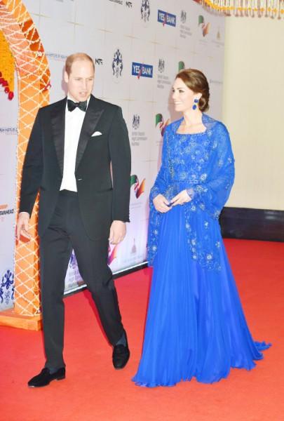 O vestido azul Jenny Packham foi a peça mais cara da viagem - Crédito: Reprodução/Tumblr