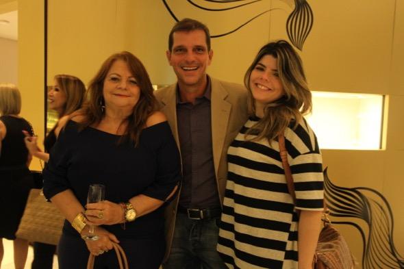 Rosana Lemos, Sérgio Aroucha e Fernanda Dubeux. Crédito: Nando Chiappetta / DP