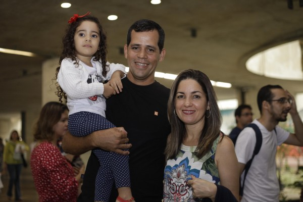 Márcio e Lucilene Garcia com a pequena Amanda - Crédito: Gustavo Glória/Divulgação