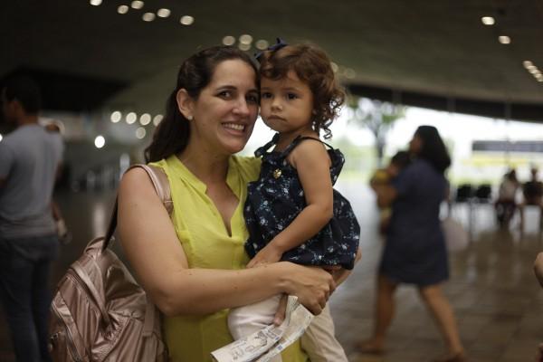 Mariana Bandeira de Melo e a filha - Crédito: Gustavo Glória/Divulgação