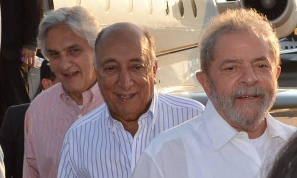 Pedro Chaves entre Delcídio do Amaral e Lula/Reprodução doa Facebook
