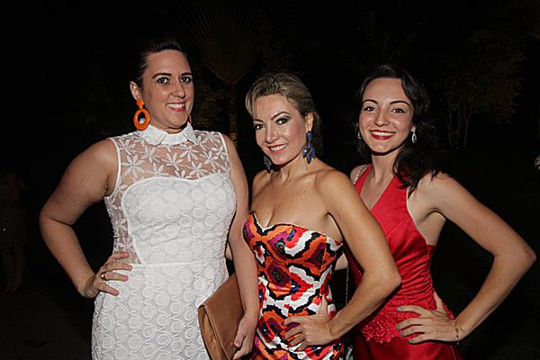 Claudia Heraclio, Thaís e Raíssa Sulzbach - Crédito: Roberto Ramos/DP