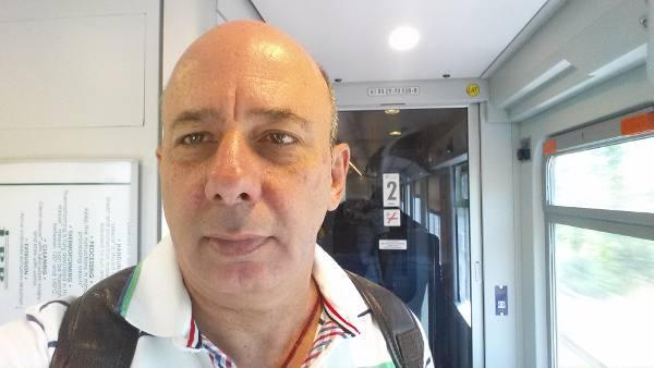 Nando Chiappetta no metrô de Roma
