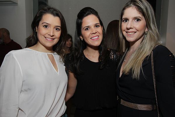 Beatriz Mayer, Priscilla Carrilho e Raffaela Meirelles - Crédito: Roberto Ramos/DP