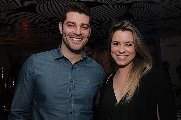Hudson Figueredo e Rejane Dubeux - Crédito: Roberto Ramos/DP