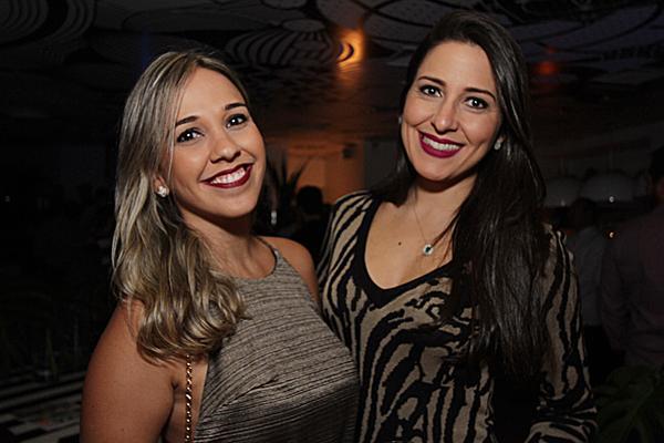 Paula Asfora e Kaline Silveiras - Crédito: Roberto Ramos/DP
