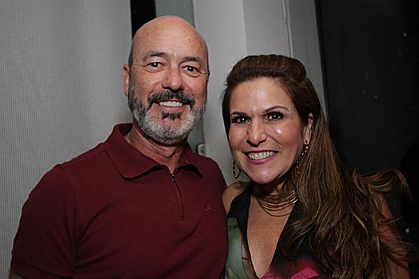 Sandro e Beth Curra - Crédito: Roberto Ramos/DP