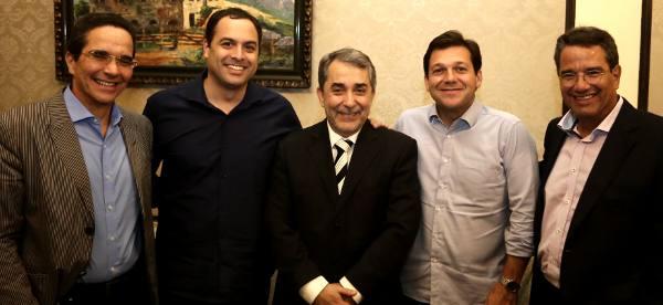 Maurício Rands, Paulo Câmara, Guilherme Machado, Geraldo Julio e Alexandre Rands
