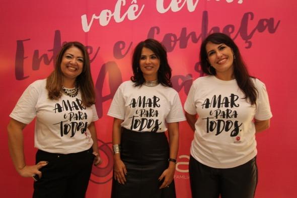 Ione Costa, do Instituto Shopping Recife - que realiza a campanha - ladeada pela presidente e vice da AMAR: Polyana Dias e Daniela Rorato. Crédito: Nando Chiappetta / DP