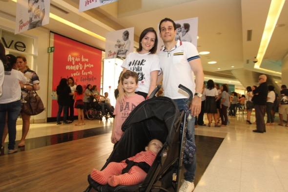 A pedagoga e blogueira, Mariana Lindoso, e família também aderiram a campanha. Crédito: Nando Chiappetta / DP