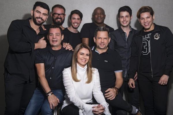 Mary Mansur e os profissionais do salão - Crédito: Renato Filho/ Divulgação