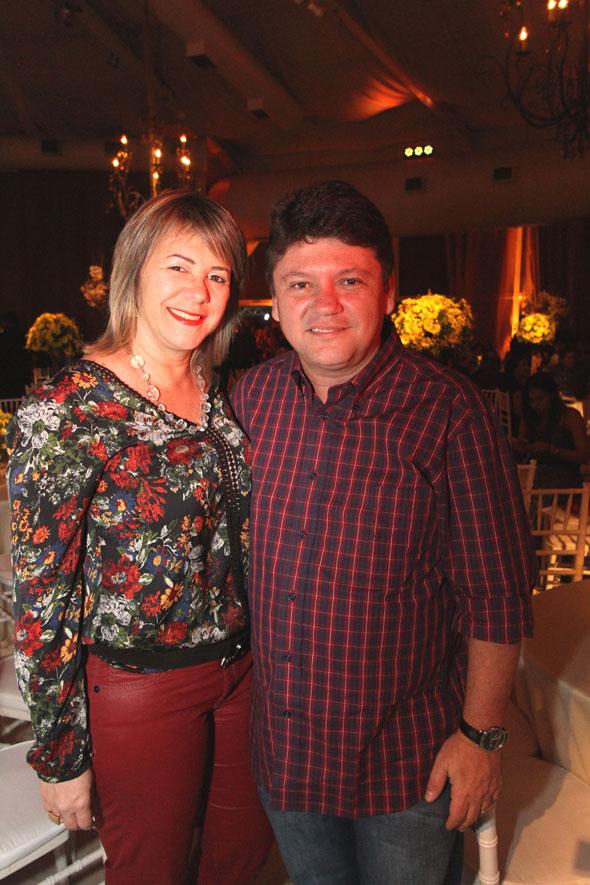 17/06/2016 - Credito: Nando Chiappetta/DP -BLOG JA - Baile dos Namorados, da Prefeitura do Recife.na foto -Sileno Guedes e Ana Lucia