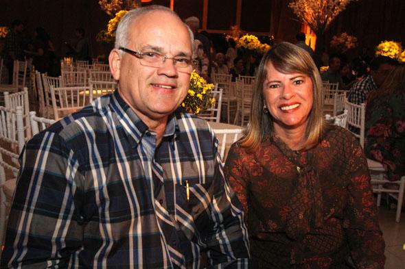 17/06/2016 - Credito: Nando Chiappetta/DP -BLOG JA - Baile dos Namorados, da Prefeitura do Recife.na foto - Mario Cavalcanti e esposa