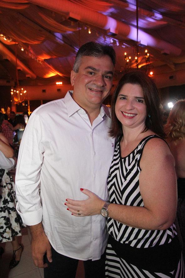 17/06/2016 - Credito: Nando Chiappetta/DP -BLOG JA - Baile dos Namorados, da Prefeitura do Recife.na foto- Augusto Carreras e Ana Paula