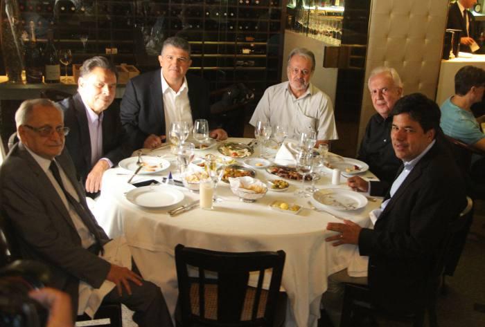 Roberto Magalhães, João Lyra Neto, Gulherme Coelho, Gustavo Kause, Jarbas Vasconcelos e José Mendonça Filho
