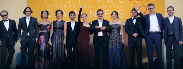 Equipe do filme em Cannes - Crédito: Reprodução/Facebook