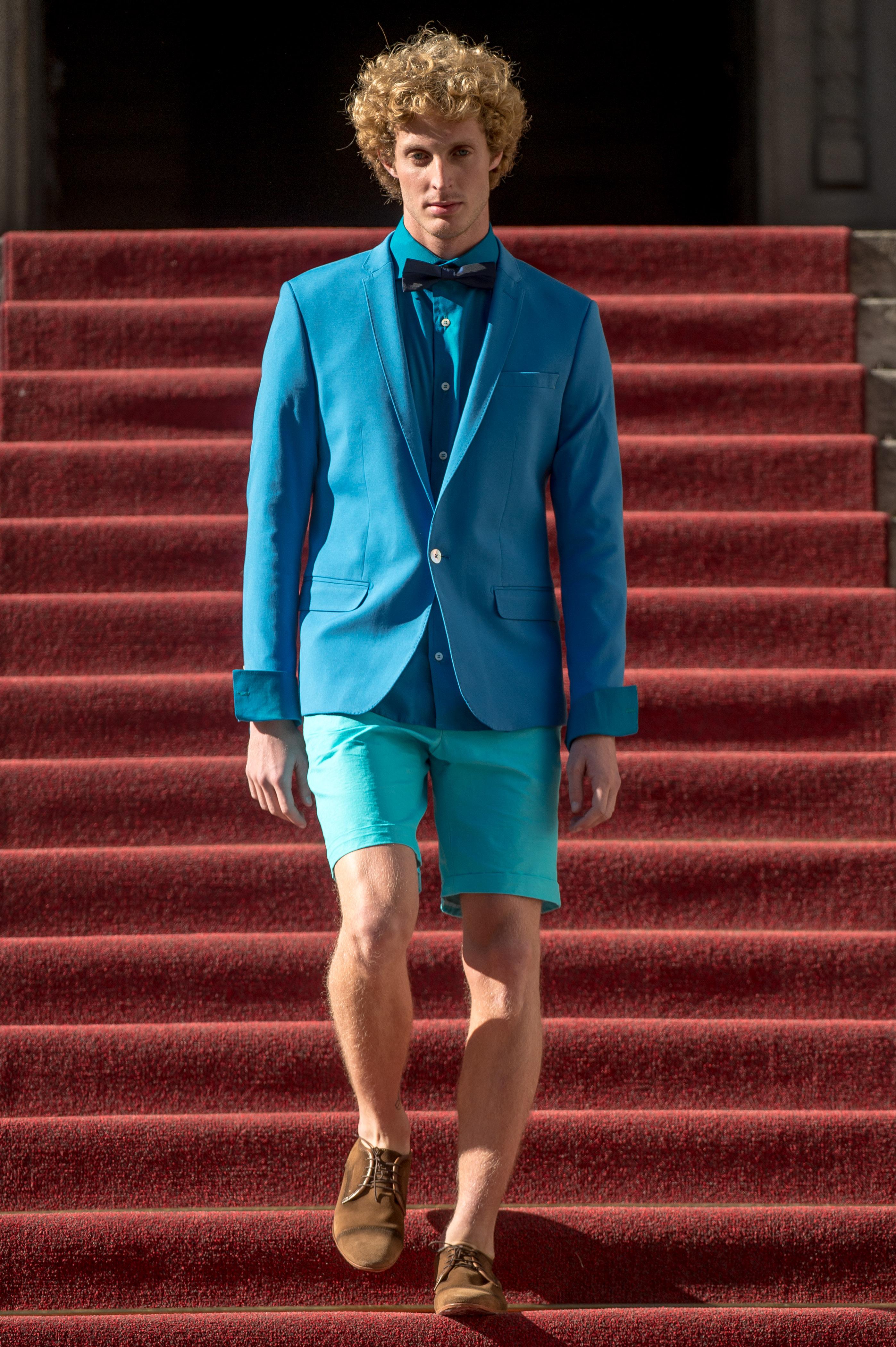 Ivan Aguilar: O mix de bermuda e blazer com gravata borboleta - Foto: Marcelo Soubhia/FOTOSITE