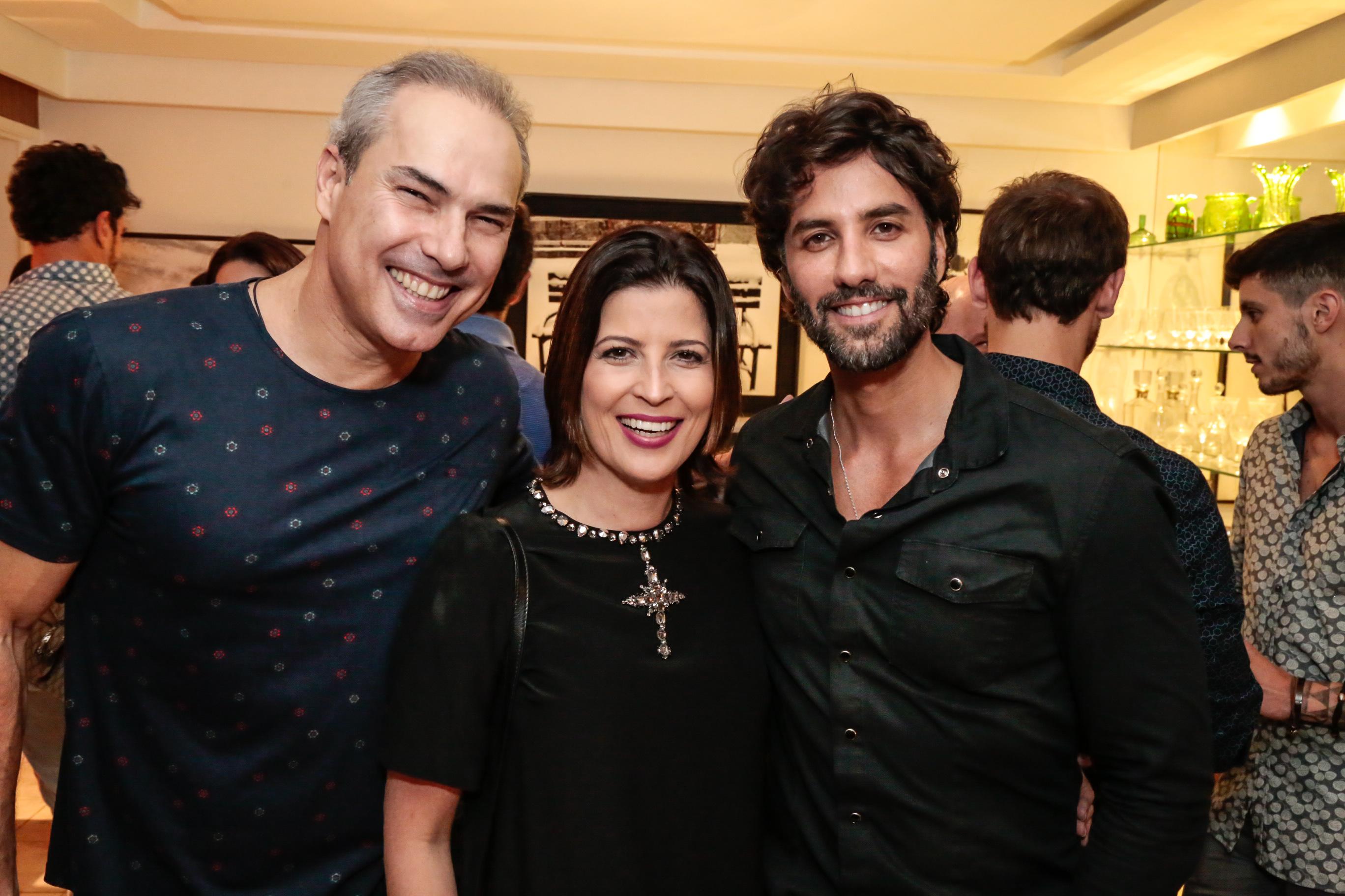 João Marinho, Carla Bensoussan e André Caricio - Crédito: Gleyson Ramos/Divulgação