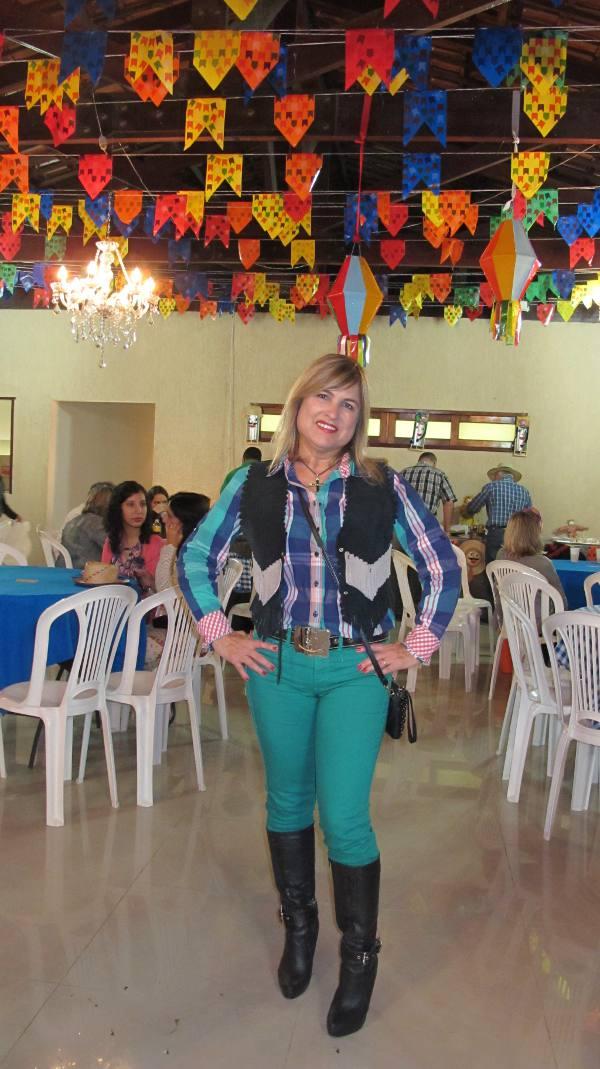 A anfitriã Dina Gil Rodrigues