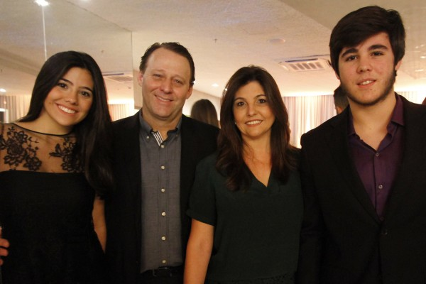 Carolina Fonseca, Guaracy Fonseca, Claudia Ferreira da Costa e Arthur Fonseca - Crédito: Ricardo Fernandes/DP