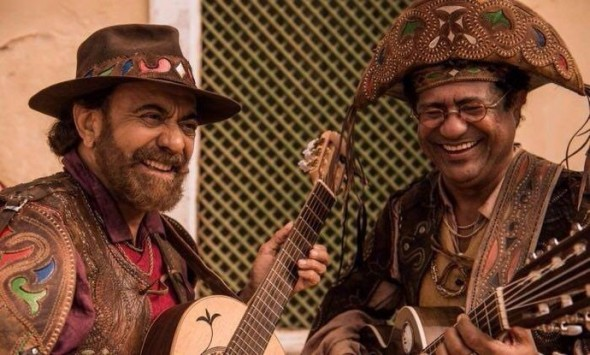 Maciel Melo e Xangai interpretando repentistas em 'Velho Chico'. Crédito: Reprodução/ Redes Sociais