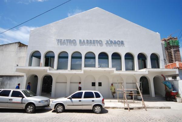 O Teatro já passou por várias reformas - Crédito: Julio Jacobina/DP/D. A Press.