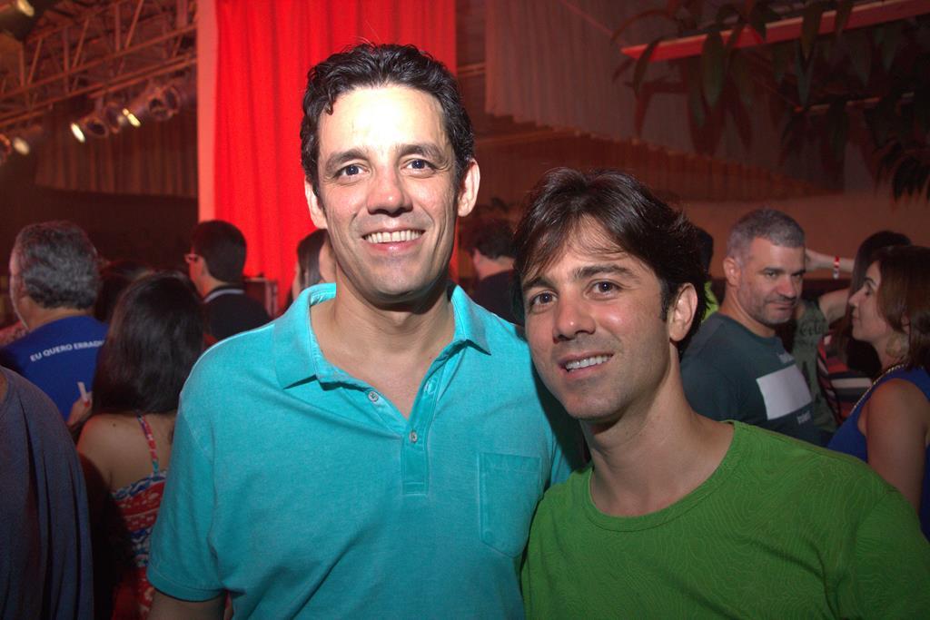 Daniel Coelho e o irmão - Crédito: Máquina 3 Fotografia
