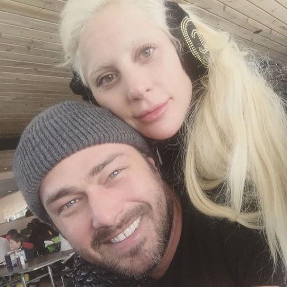 Lady Gaga e Taylor Kinney. Crédito: Reprodução/Instagram